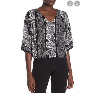 Laundry by Shelli Segal V Neck Top
